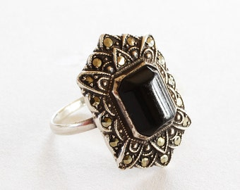 Marcasite Sterling Silver and Black Onyx Vintage Ring Jewelry