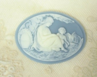 40x30 Mother and Child Cameo (1) Ivory on Wedgwood Blue 15-108-blue
