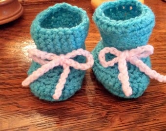 Baby Booties in Blue and Pink
