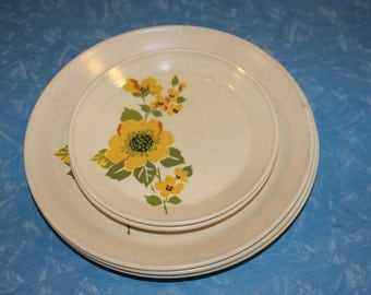 Yellow Roses - Johnson of Austraia Stoneware Dinner and Side Plates