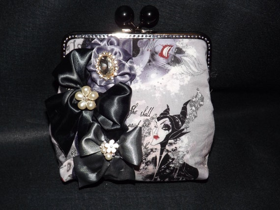 Wicked Villains Clutch