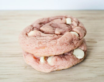 Strawberry Cheesecake Cookie | Half Dozen