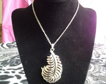 "Handmade 14"" Silver Necklace with Feather Pendant"
