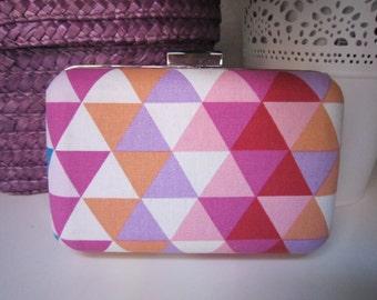 Pink geometric clutch
