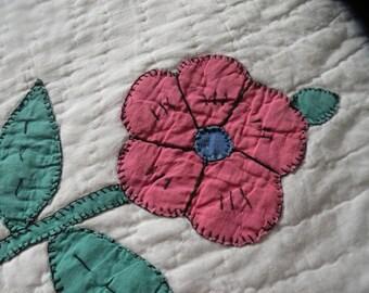 Vintage 5 petal Posies Quilt