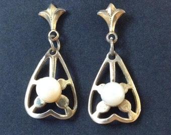 Retro Vintage 60s Pearl Earrings