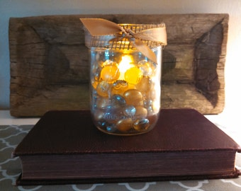 Vintage Kerr mason jar gold tone stones luminary, gives off such a cozy warm glow! Perfect for fall decor and wedding centerpieces!