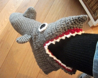 Crochet pattern Shark slippers Adult sizes (EUR size 35 to 46)
