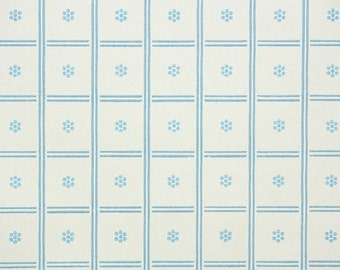 1940's Vintage Wallpaper - Blue and White Square Geometric Grid