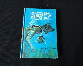 Vintage 1972 Hardy Boys Mystery Book #36 The Secret of Pirates' Hill by Franklin W. Dixon
