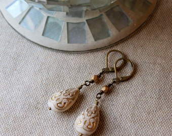 Gold Dangle Earrings / Gold Inlay Victorian Style / Antiqued Brass Cream and Gold / Lightweight Earrings / Easy to Wear / Gift under 25
