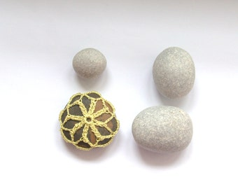 Crochet lace stone pebble Beach Wedding favor decoration paperweight yellow green grey gift for her Mother's day home decor shabby chic