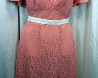 1940s Pink Cotton Lace Flowered Dress Vintage