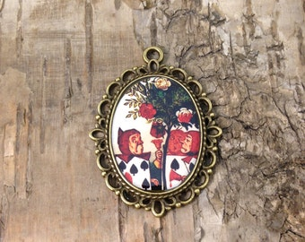 """Alice in Wonderland pendant- The playing cards necklace- """"Painting the roses Red""""  - vintage style cameo - Bronze tone - John Tenniel"""