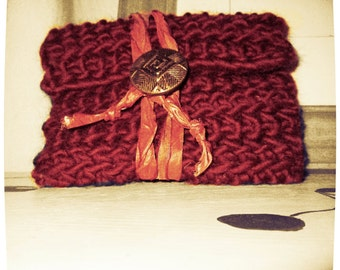 CROCHET ENVELOPE WALLET Marsala