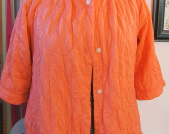 vintage QUILTED HOUSE COAT--  misses/womens size L (1950s)