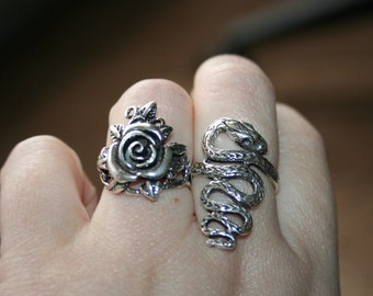 HUGE SALE...Vintage 925 Sterling Silver  Rose Flowers & Leaf Design Ring Size  7.75  Stunning