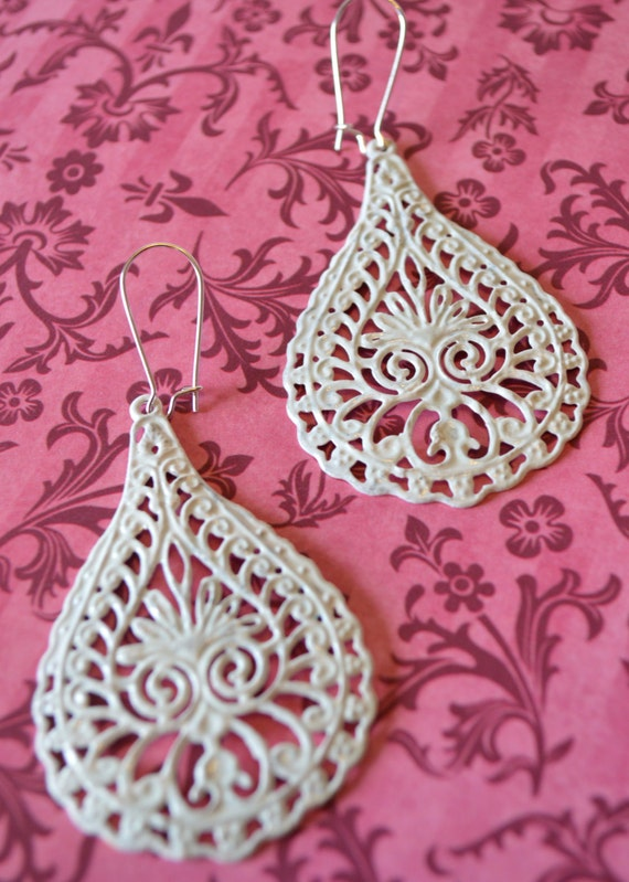 White Lacy Raindrop Earrings, Boho Filigree Earrings, Statement Earrings, Fall Earrings, Bohemian Hippie Chic Earrings