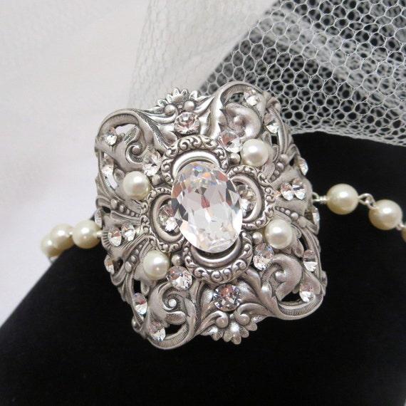 Bridal cuff bracelet, Statement wedding bracelet, Wedding jewelry, Vintage style bracelet, Swarovski bracelet, Rhinestone bracelet