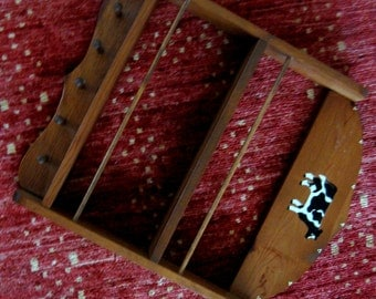 Vintage Shelf Wooden Wood Display Knick Knack Country Kitchen Pegs Hooks Cow Decal Maple