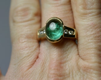Tourmaline, gold ,and diamond ring