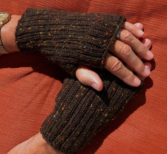 Mens Fingerless Gloves Knitting Pattern Free : Mens Fingerless Gloves Pattern PDF 1113FG Texting Gloves