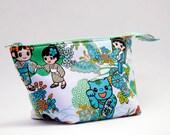 Kawaii Anime Geishas and Samurais Wide Open Zipper Pouch/Makeup Bag
