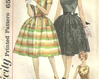 Simplicity 3914 // Vintage 60s Sewing Pattern // Dress // Size 13 Bust 33