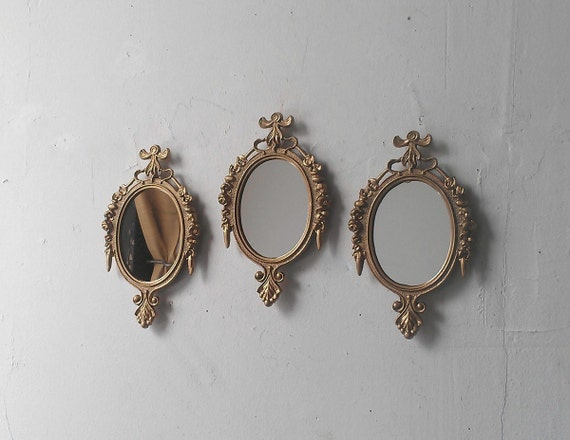 small oval wall mirrors set of three in traditional gold mid. Black Bedroom Furniture Sets. Home Design Ideas