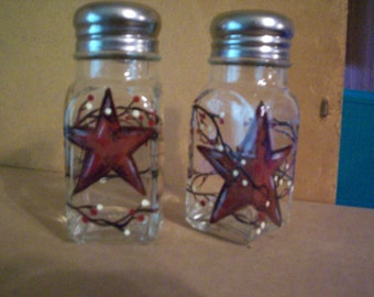 Barn Star Salt and Pepper Shakers Painted Glass Salt & Pepper Shakers Hand-painted Vines and Berries by Lisa Hayward