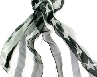 Black and white American flag shawl
