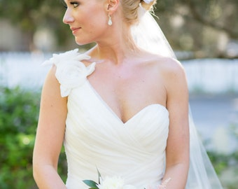 WHITE Wedding Flower Hair Clips, White Wedding Hair Accessory, White Hair Clips, White Bridal Head Piece, White Bridal Accessory