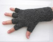 HAND KNIT Half Finger GLOVES in Soft Peruvian Wool Grey Charcoal / Seed Knit Stitch Gloves