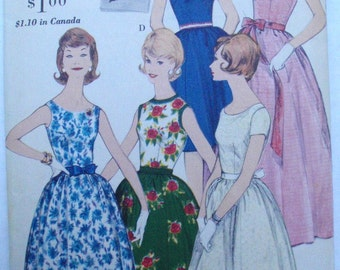 Vintage 60's Woman's Sewing Pattern - Easy to Make Dress - Vogue 5360 - Size 10, Bust 31