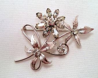 Vintage KREMENTZ 14K White Gold Overlay Rhinestone Flower Brooch Jewelry