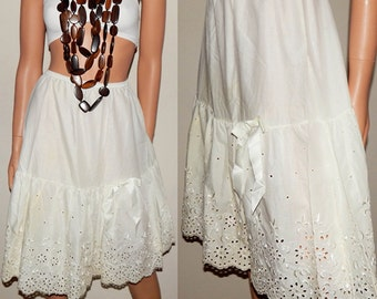 Vintage Off White Half Slip - Cotton Eyelet Slip Skirt - Satin Bow - Eyelets - Gathered Skirt - Extra Small - Small