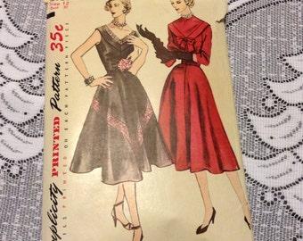 Vintage Simplicity 3731 Formal Bias V Neck Dress Sewing Pattern 1940s Four Gored Skirt 30 Bust