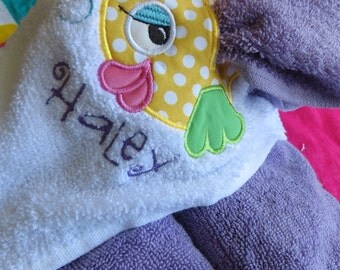 Girls Fish Hooded Towel