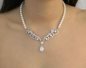 Bridal Necklace,  Pearl wedding necklace Swarovski Rhinestone, Leah Drop Necklace