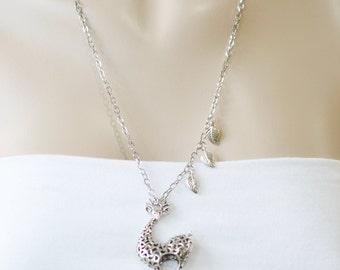 giraffe charm jewelry,africa safari animal,best friend gift,christmas,bridesmaid necklace,leaf necklace,silver giraffe,layering necklace