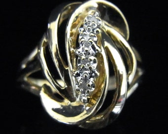 Estate Diamond & 14k Yellow Gold Ring Beautiful Design Gift