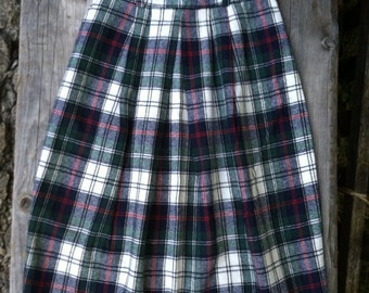 Ladies Vintage 70s 80s Wool Plaid Blend Skirt Blue Green White and Red