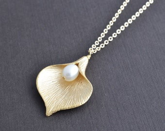 10% OFF, Calla necklace, Pearl necklace, Gold necklace, Wedding necklace, Bridal jewelry, Anniversary gift, Flower necklace,Valentines gift