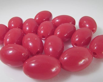 20 Vintage 12x8 Red Lucite Oval Beads  Bd1228