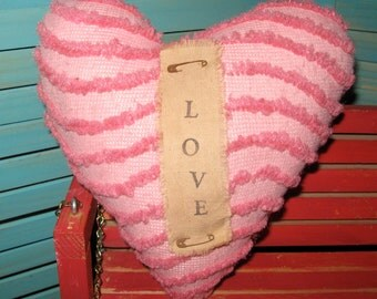Primitive Grungy Heart Shaped Chenille Prim Pillow With Banner LOVE