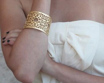 Bridal Gold Filigree Bracelet , Filigree Cuff Bracelet , Dominant Bangle , Wedding Jewelry , Bridesmaids Bracelet , Gold Bridesmaids Bangle