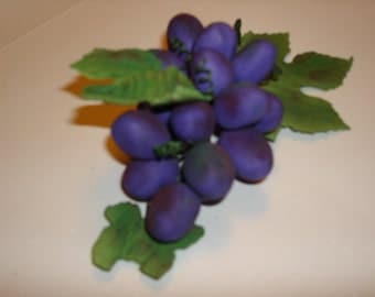 Gumpaste Grapes for Wedding Cakes and Special Occasion Cakes