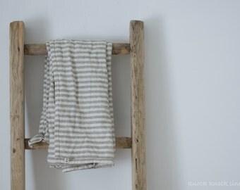 Narrow Stripes Linen Bath Towel