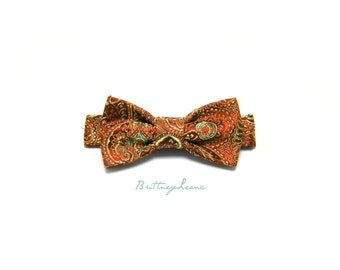 Samuel - Red, Green & Gold Velcro Adjustable Bow Tie