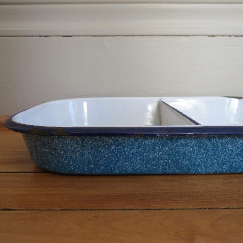 enamelware baking pan in speckled blue navy white metal. Black Bedroom Furniture Sets. Home Design Ideas
